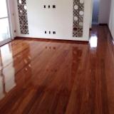 aplicação de piso de madeira maciça preço Jardim Lina