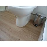 aplicação de piso de madeira na cozinha Parque São George