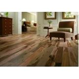 aplicação de pisos vinílico em madeira Residencial Sete