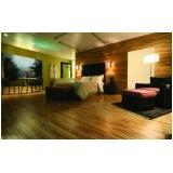 colocação de piso laminado de madeira