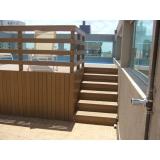 deck de madeira para varanda preço Alphaville
