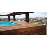 aplicação de deck de madeira para piscina