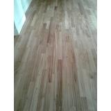piso de madeira para residência Vila Romana