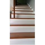 piso estruturado de madeira