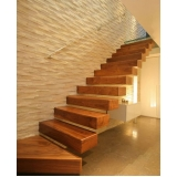 quanto custa cascolac para escada de madeira Vila Mazzei